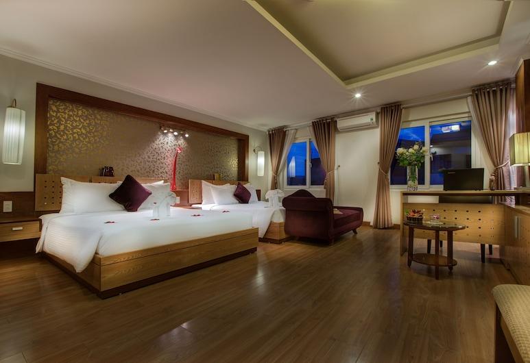 La Storia Ruby Hotel, Hanoi, Suite – family, 2 queensize-senger, utsikt mot byen, Gjesterom