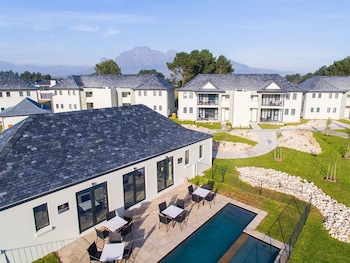 Enter your dates to get the Paarl hotel deal