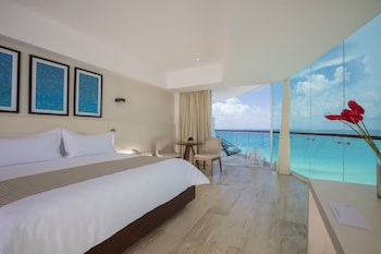 Picture of Altitude By Krystal Grand Punta Cancun - All Inclusive in Cancun