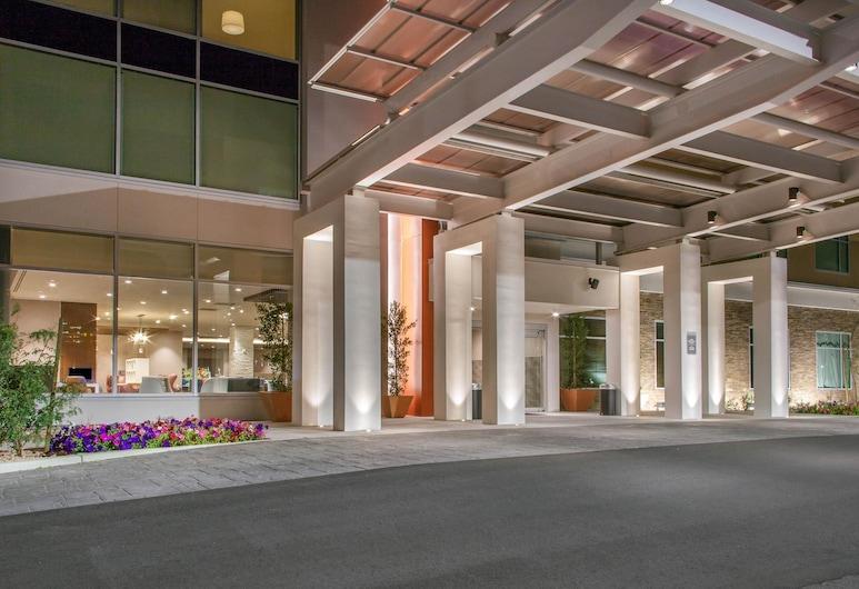 Cambria Hotel Phoenix- North Scottsdale, Phoenix, Exterior