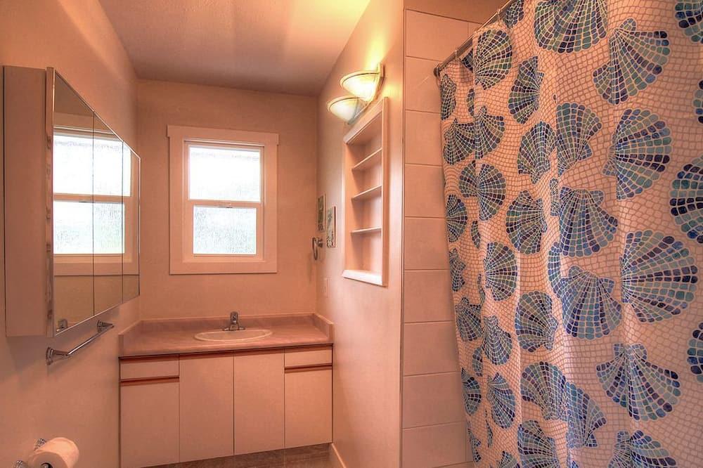 Domek, 3 ložnice, u pláže - Koupelna