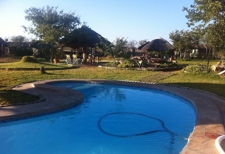 Makumutu Lodge & Campsite, Orapa, Vonkajší bazén