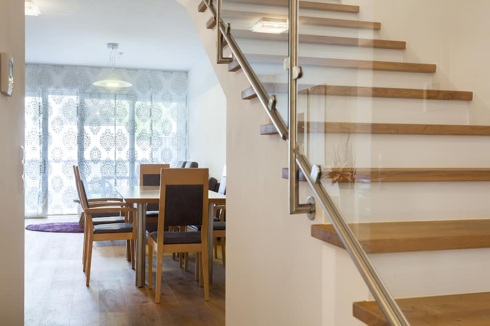 Exclusive Duplex, 2 Bedrooms - In-Room Dining