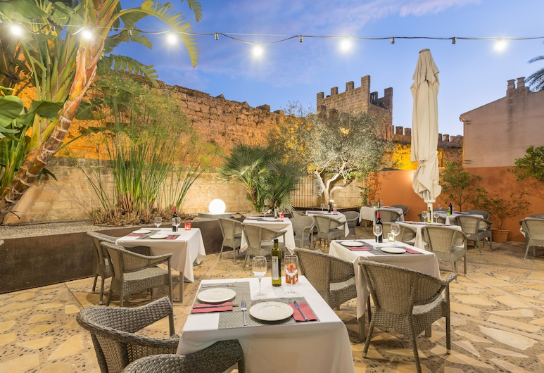 Can Vent Boutique Hotel, Alcudia, Γεύματα σε εξωτερικό χώρο