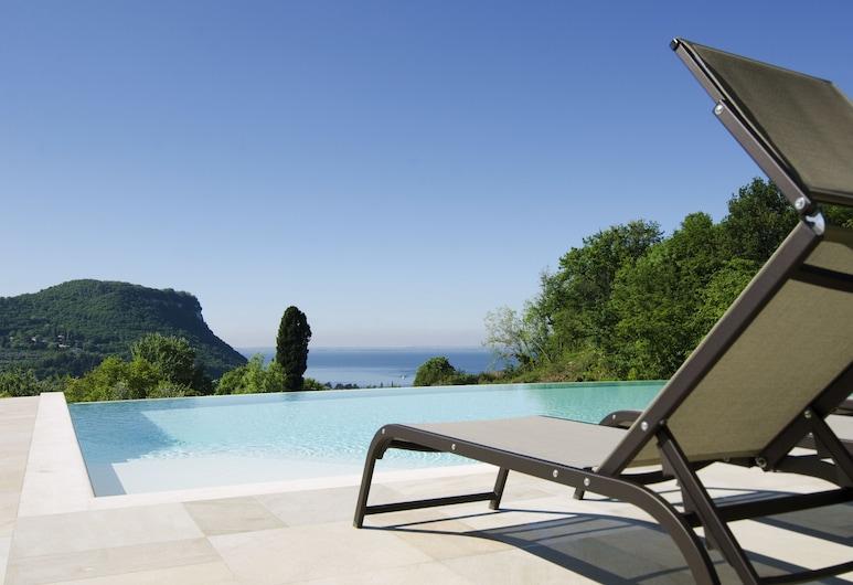 Cà Barbini Resort, Garda, Basen z ukrytą krawędzią