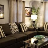 Premium Studio Suite, 1 Queen Bed with Sofa bed, Private Bathroom, Ground Floor (age 30 and up) - Living Area