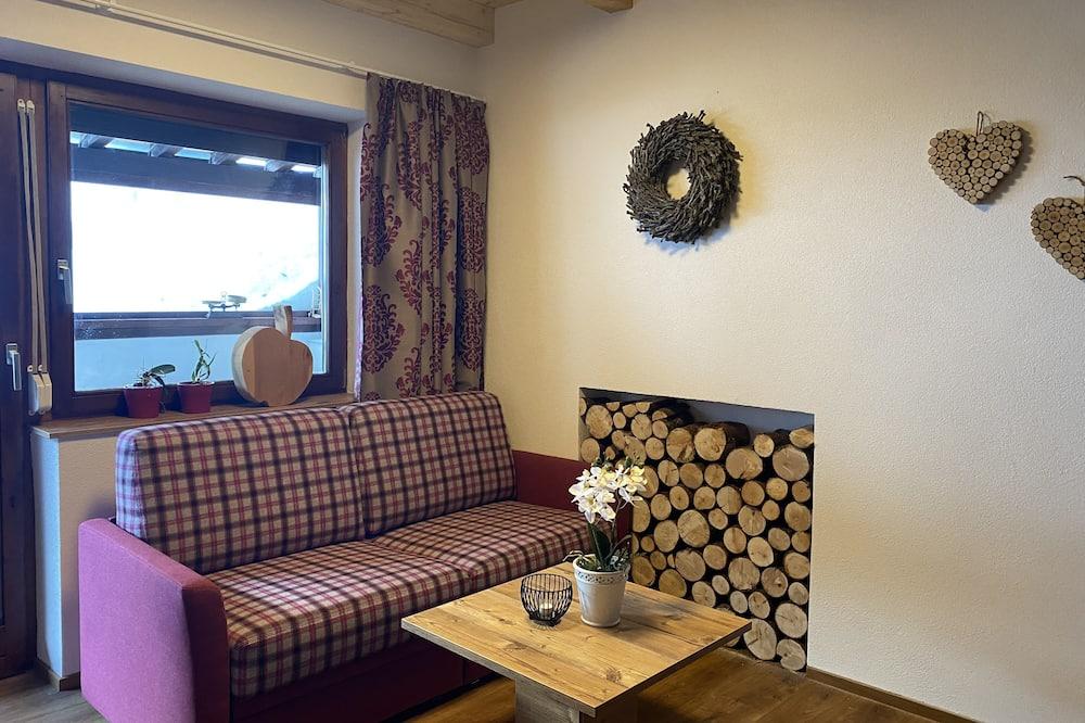 Căn hộ Deluxe, 2 phòng ngủ, Ban công - Khu phòng khách
