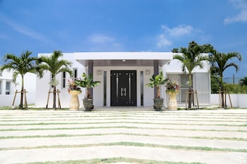Ishigaki bölgesindeki Palm Villa Ishigakijima igusa resmi