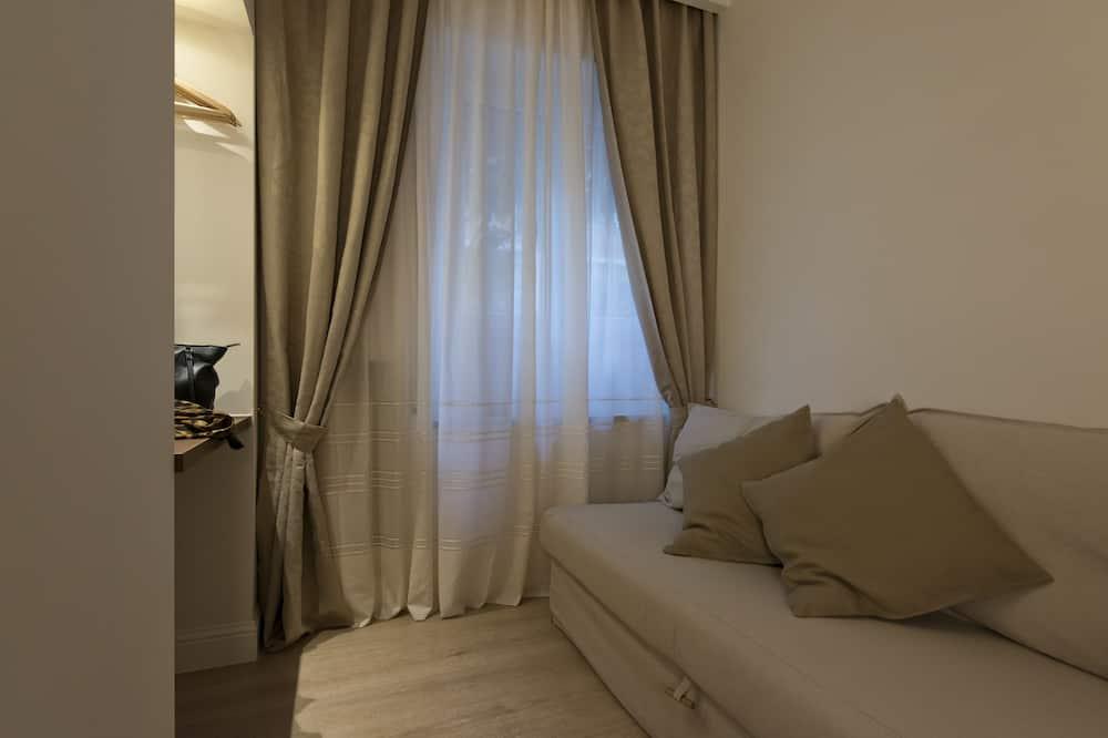 Elite Suite, Kitchenette, Ground Floor (Luna) - Living Area