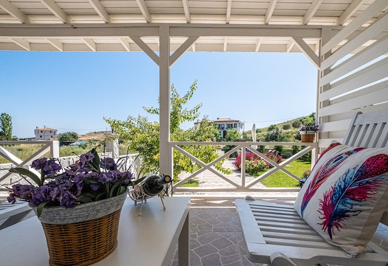 Kalispera Otel, Bozcaada, Deluxe Double Room, Patio, Garden Area, Guest Room