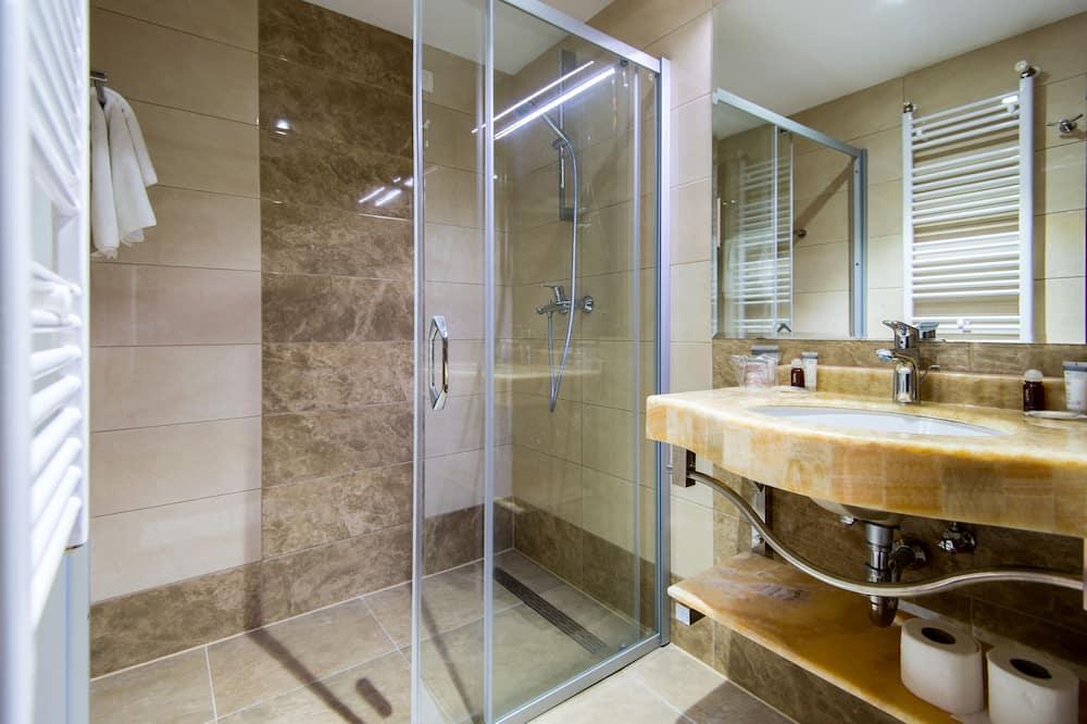 Værelse til 3 personer - havudsigt - Badeværelse