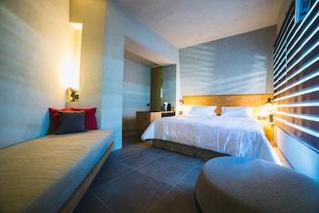Picture of Marquise Suites in Santorini