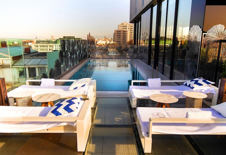VP Plaza España Design, Madrid, Rooftop Pool