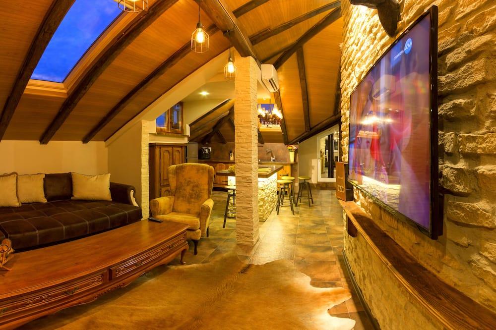 Comfort Λοφτ, Περισσότερα από 1 Κρεβάτια, Κουζίνα, Θέα στο Βουνό - Περιοχή καθιστικού