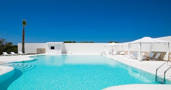 Enter your dates for our Favignana last minute prices
