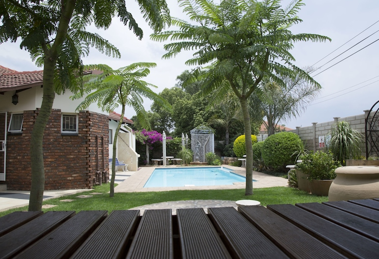 Xaviera Guest House, Pretoria, Outdoor Pool