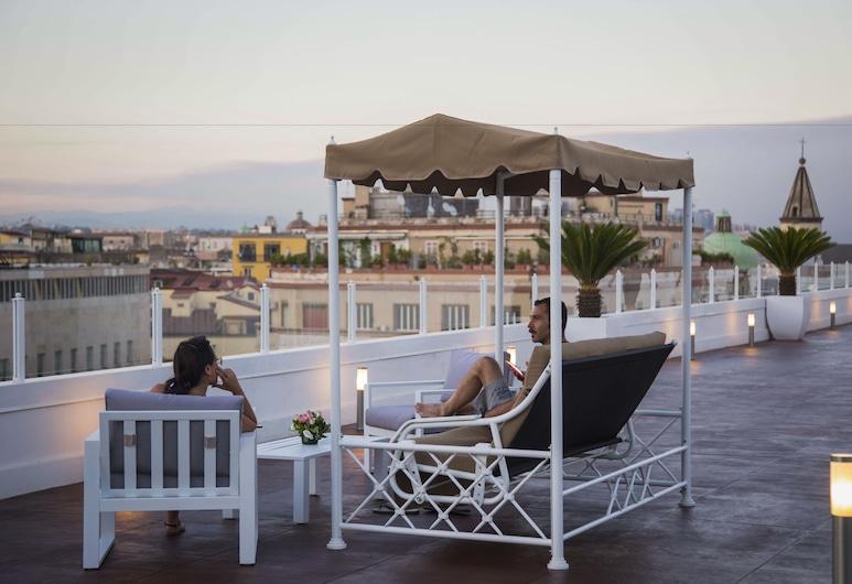 NeapolitanTrips Hotel Royale, Napoli, Terrasse/veranda