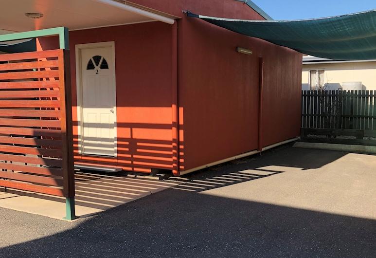 Miners Rest Motel, Blackwater, Deluxe Cabin, 1 Queen Bed, Terrace/Patio
