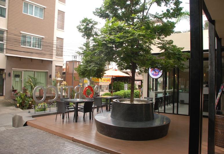 Portico Residence, Bangkok, Terrasse/veranda