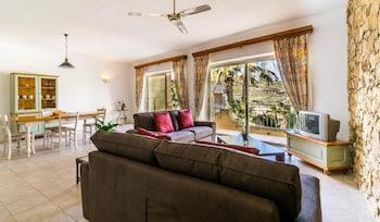 Foto van Ta Frenc Apartments in Ghasri