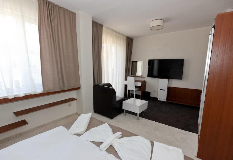 Kolhida hotel, Elhovo