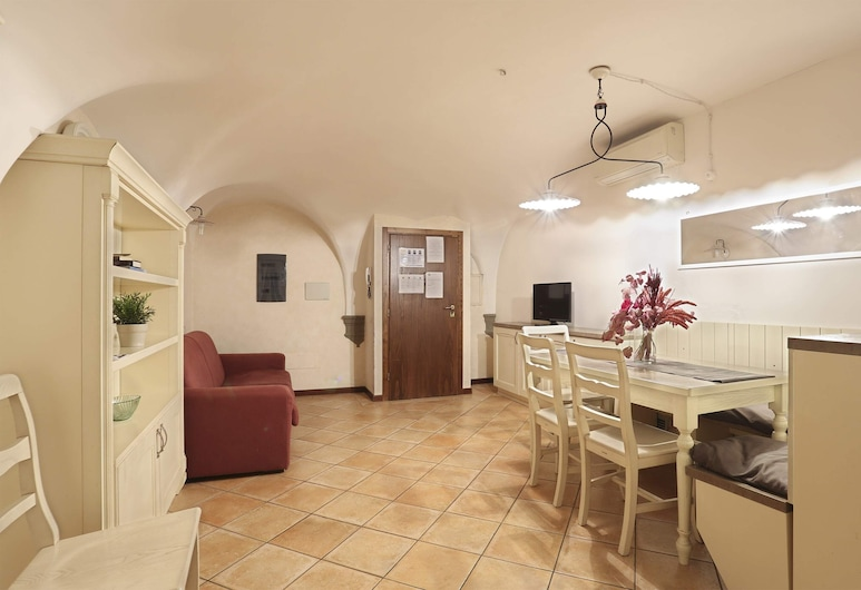 Short-let Florence apartment 3 bedrooms Mercato Centrale, Florence, Apartment, 3 Bedrooms (Mercato Centrale), Living Room
