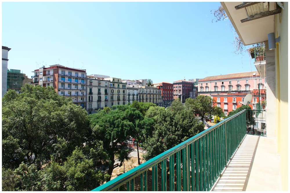 Deluxe-Dreibettzimmer, Stadtblick - Blick vom Balkon