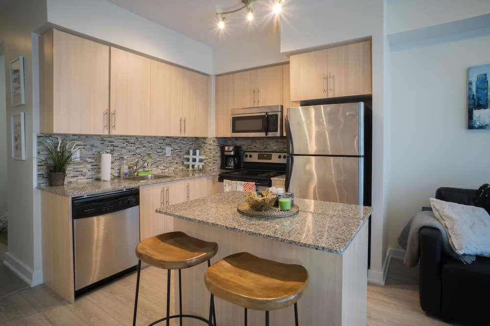 Departamento urbano, 2 habitaciones, vista a la ciudad - Cocina privada