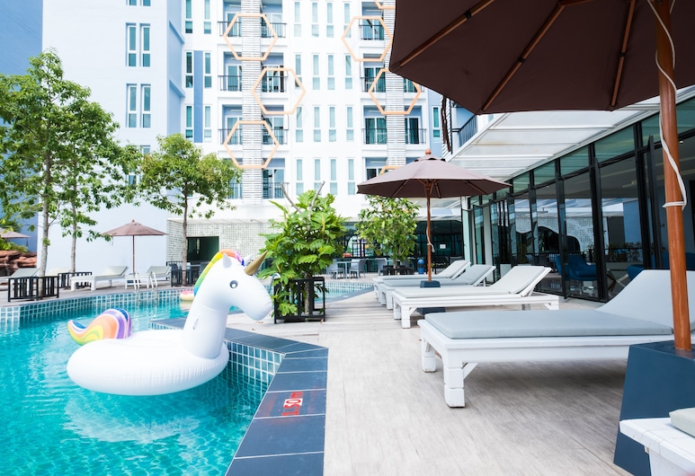 P Plus Hotel, Pattaya, Outdoor Pool