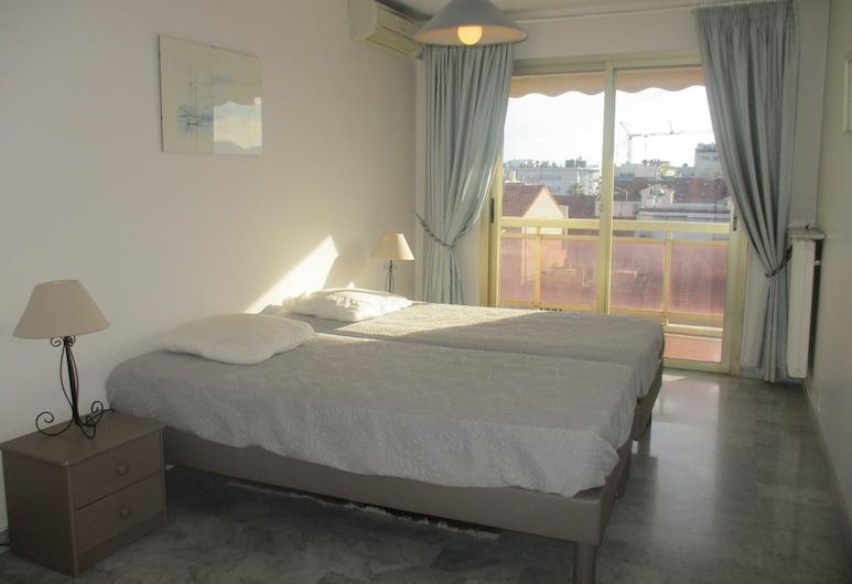 Azur Best Housing Cousin, Cannes