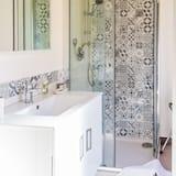 Huone, Kaupunkinäköala (Camera 2) - Kylpyhuone