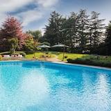 Villa Pina 8+2 Sleeps, Villa With Private Pool at Exclusive Use!