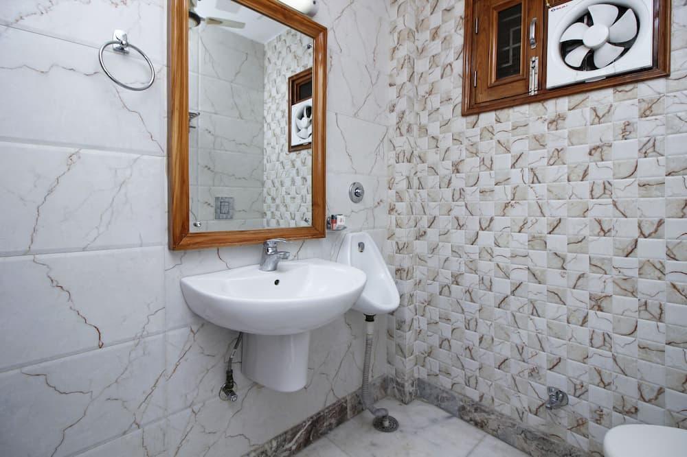 Kamer, 1 twee- of 2 eenpersoonsbedden, 1 kingsize bed - Badkamer