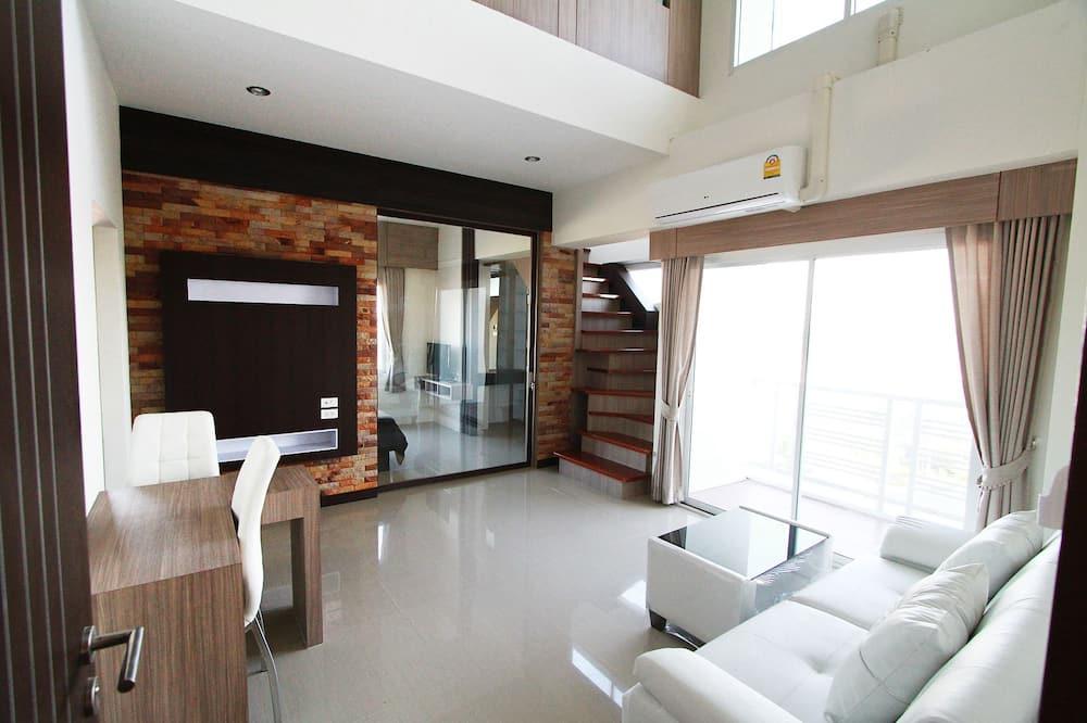 Two Bedrooms Duplex (Condo) - ห้องนั่งเล่น