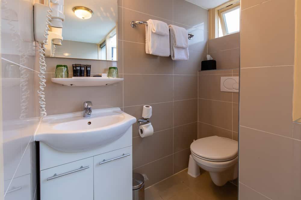 Economy Twin kamer, 2 eenpersoonsbedden - Badkamer