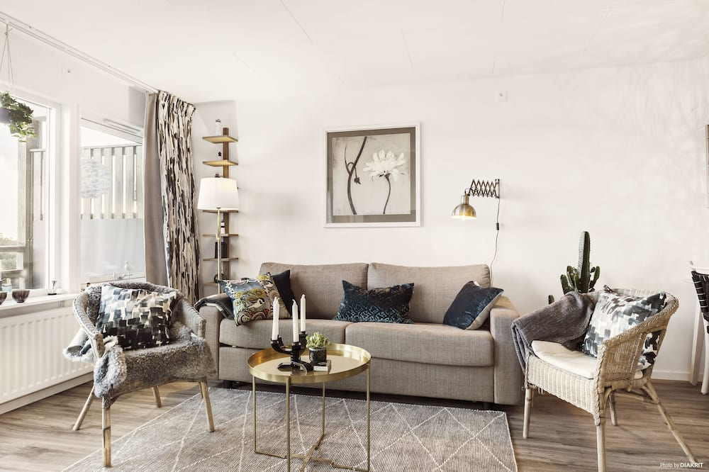 Apartment by the sea (for pet owners)  - Living Area