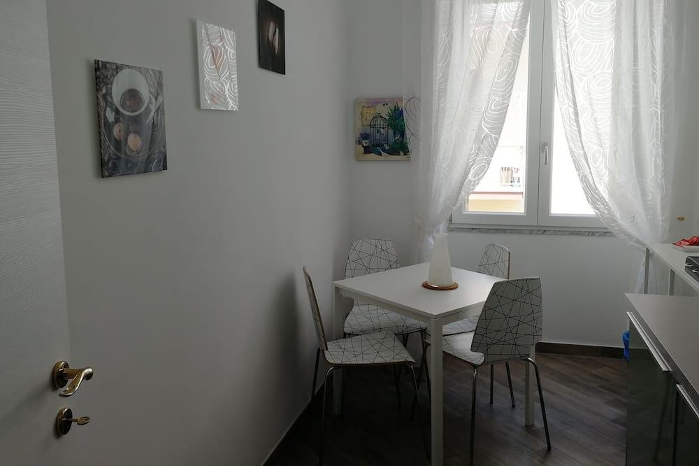 Executive Apartment, 2 Bedrooms, Kitchenette - Mini Refrigerator