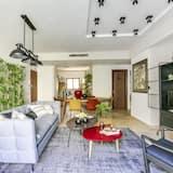 Apartment, 3 Bedrooms (Akhad Ha-am, 6) - Living Room