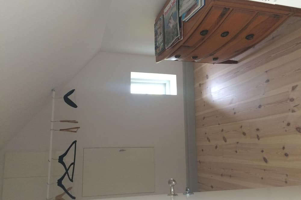 Double Room, Shared Bathroom, Lake View - Living Area