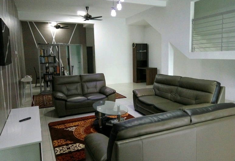Pekan Guest House, Pekan, Casa, 4 habitaciones, Sala de estar