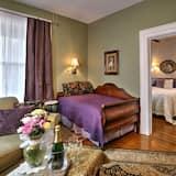 Room, Private Bathroom (Erin's Retreat) - Living Area