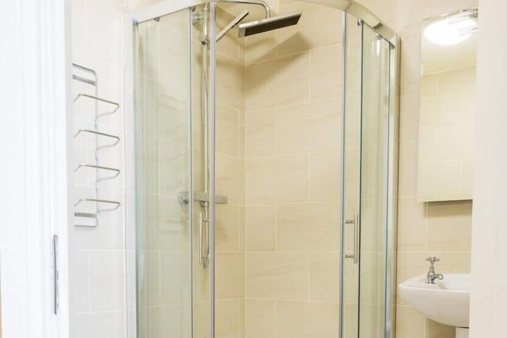 Kamar Double Comfort - Shower Kamar Mandi