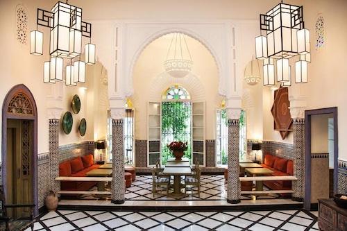里亞德默克塔拉旅館/