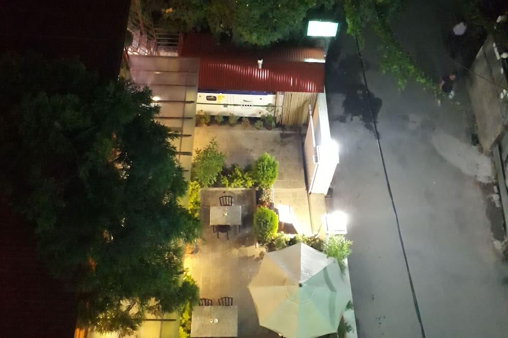 ファミリー ルーム ベッド (複数台) ラナイ シティビュー - ガーデン ビュー