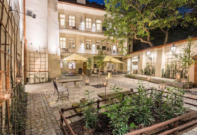 MOOo by the Castle, Praha, Terrasse/veranda