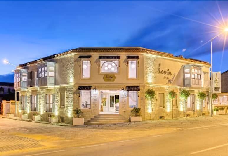 Levin Otel, Çeşme