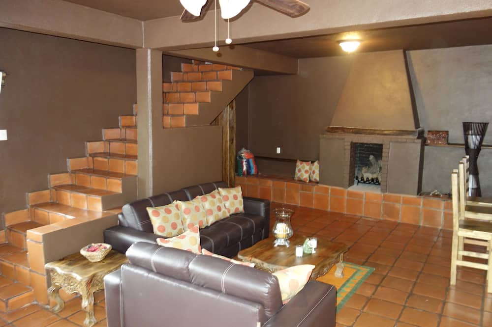 บ้านพักแกรนด์, 3 ห้องนอน, ห้องครัว, ติดสวนหย่อม - พื้นที่นั่งเล่น