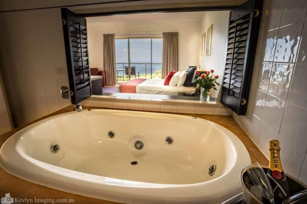 Deluxe Spa Room - Jetted Tub