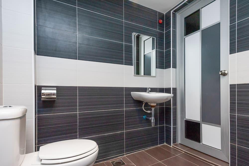 ห้องดีลักซ์ดับเบิล, เตียงคิงไซส์ 1 เตียง - ห้องน้ำ