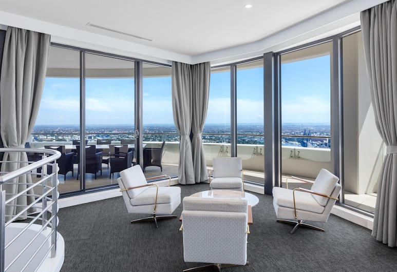 Meriton Suites Kent Street, Sydney, Sydney, 3 Bedroom Summit Penthouse, Living Area